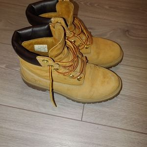 Timberland boots w7 m5